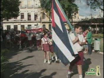 Ofrenda de los niños al más universal de los Cubanos