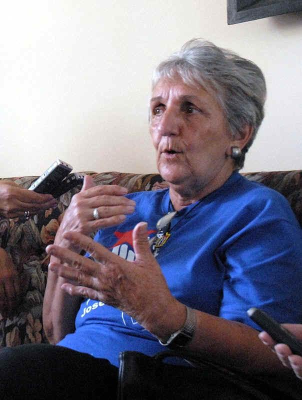 Madre de René González espera por visa para viajar a EE:UU
